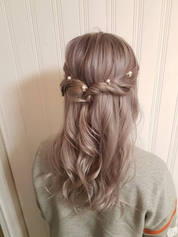 wedding hairstyle down pearl and crystal hair pins