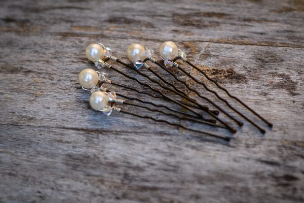set of pearl hair pins
