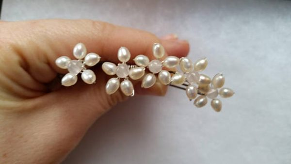 hair pieces for wedding with flowers